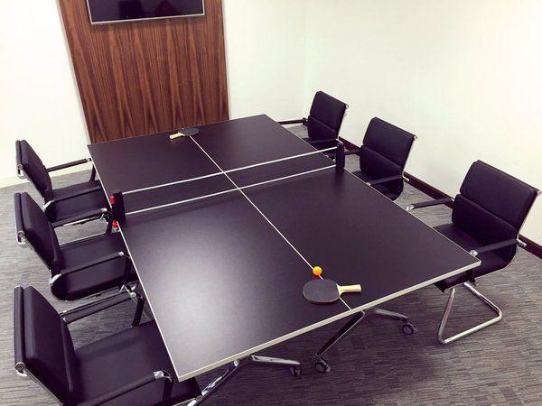5 arsyet përse vendi juaj i punës ka nevojë për një tavolinë pingpongu